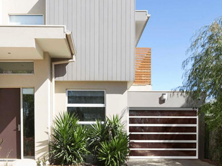 Horizon modern garage doors feature strong horizontal lines and wide glass panels