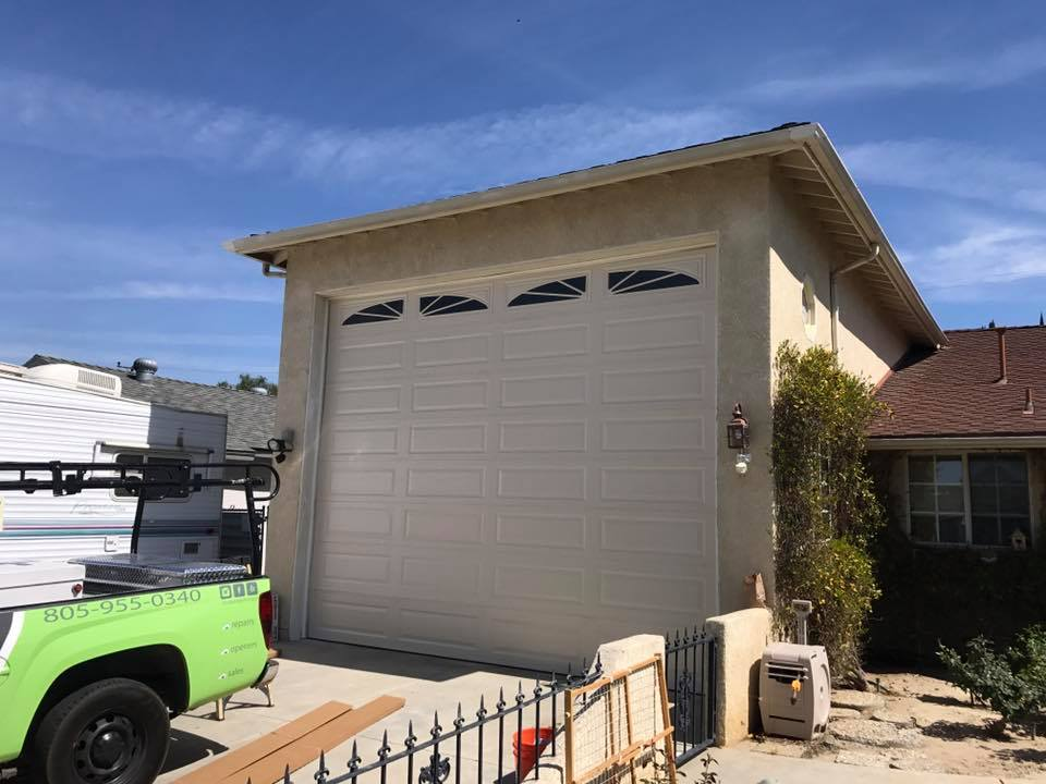 Your Garage Door Guys offers its professional garage door and gate services throughout Agoura Hills. Established in 1998, the company has earned the trust of both homeowners and business owners in the area.