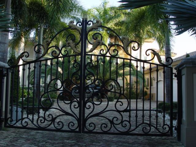 driveway gate pacific palisades