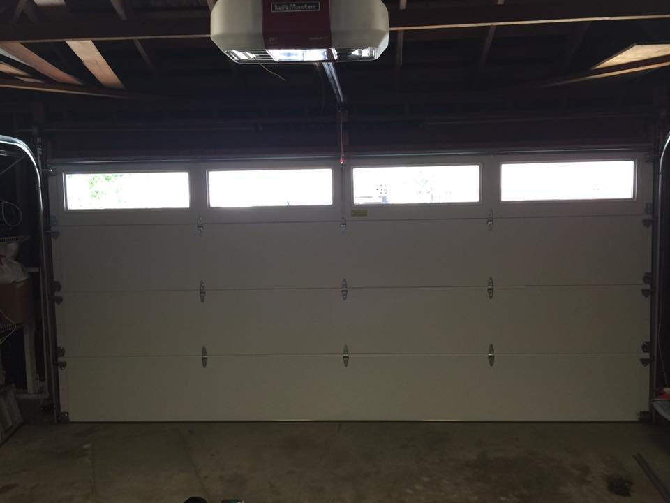 garage door in North Hills