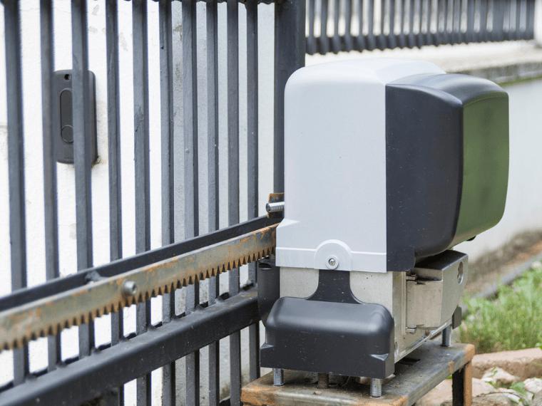 automatic sliding driveway gates