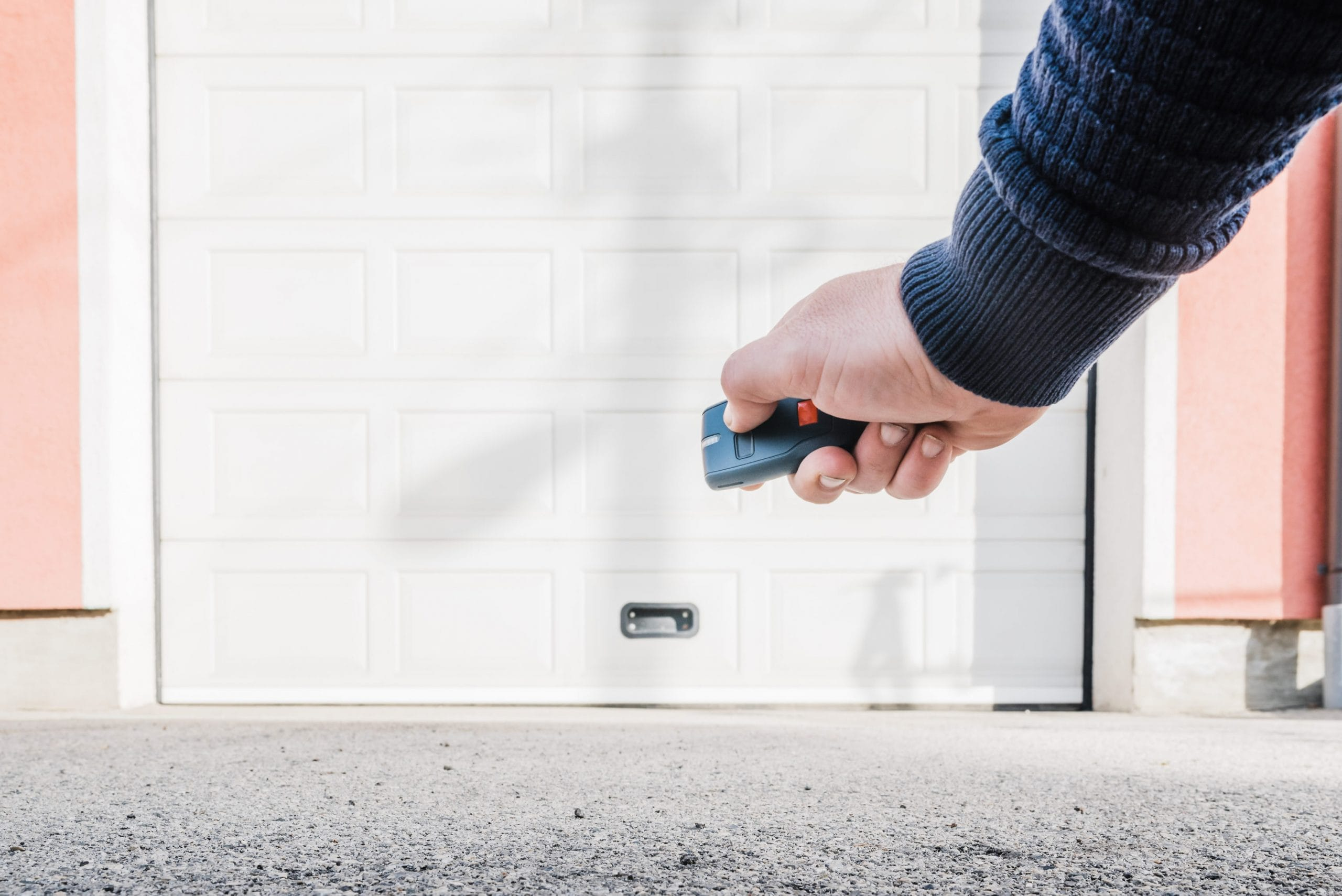 How To Open An Automatic Garage Door Manually-YGDG